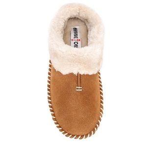 Minnetonka Women Slippers